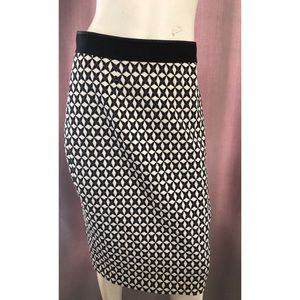 Banana Republic Black and white pencil skirt